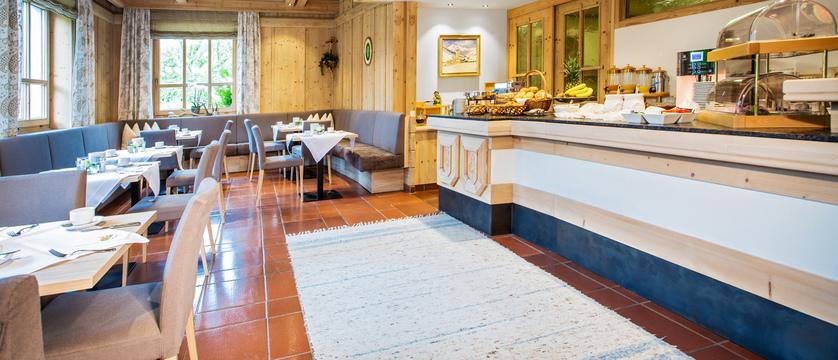 breakfast-room-landhausgappmaier-saalbach-austria.jpg